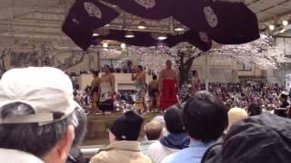 2012.4.6 靖国神社奉納大相撲にて。前頭 勢関による、最後のご挨拶の唄...