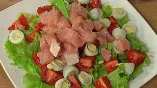 Что Есть. Салат из перепелиных яиц с семгой и помидорами