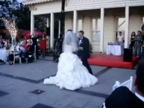 learn how to dance at turkish wedding