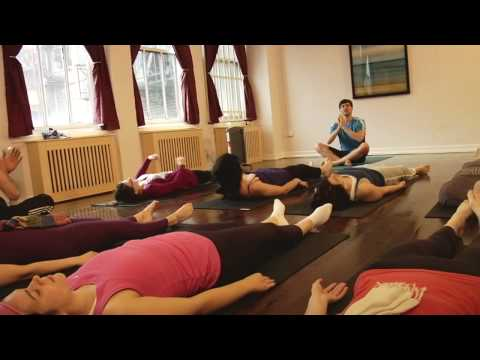 Broad City Ep8 - Yoga