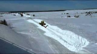 Repeat youtube video JABerthelot déneigement chemin de fer Cap d'Espoir Qc. Balai PIKE M-2 PM-59.wmv
