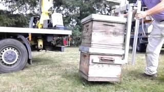 Chargement de 2 ruches par leurs poignées avec le TOP 100R