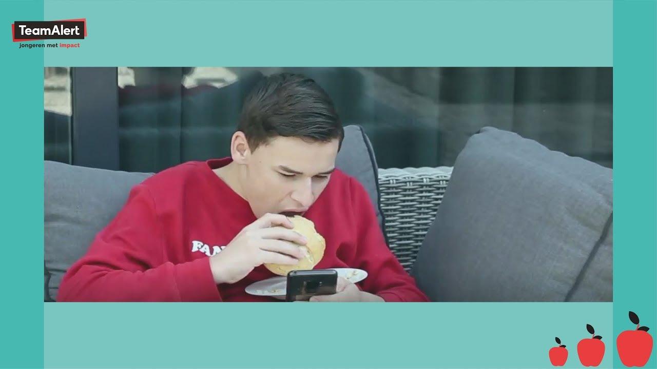 PORTIE CHALLENGE alleen de AANBEVOLEN HOEVEELHEID eten! | LARS & KOEN DOEN GEZOND #10