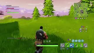 Fortnite GLITCH random loot spawned out of the sky