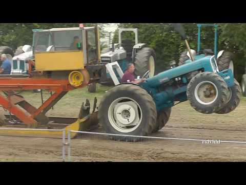 Tractor Pulling  - Welland Steam and Country Rally England  2017