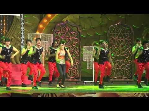 Priyanka chopra live dance IIFA