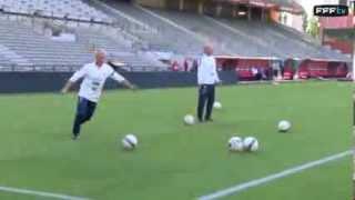 Reprise volée de l'attaquant des Bleus Dimitri Payet thumbnail