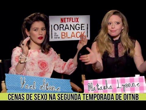 EM HD  Yael Stone e Natasha Lyonne sobre a Competição de Sexo na Segunda Temporada de OITNB.