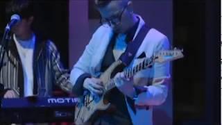 """AM Dandy - Intro (""""Peaches En Regalia"""" by Zappa) + Pro Logos - Live in Boston"""