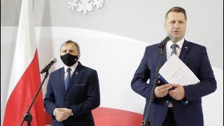 Minister Przemysław Czarnek i wiceminister Maciej Kopeć o zmianach w egzaminach w 2021 roku
