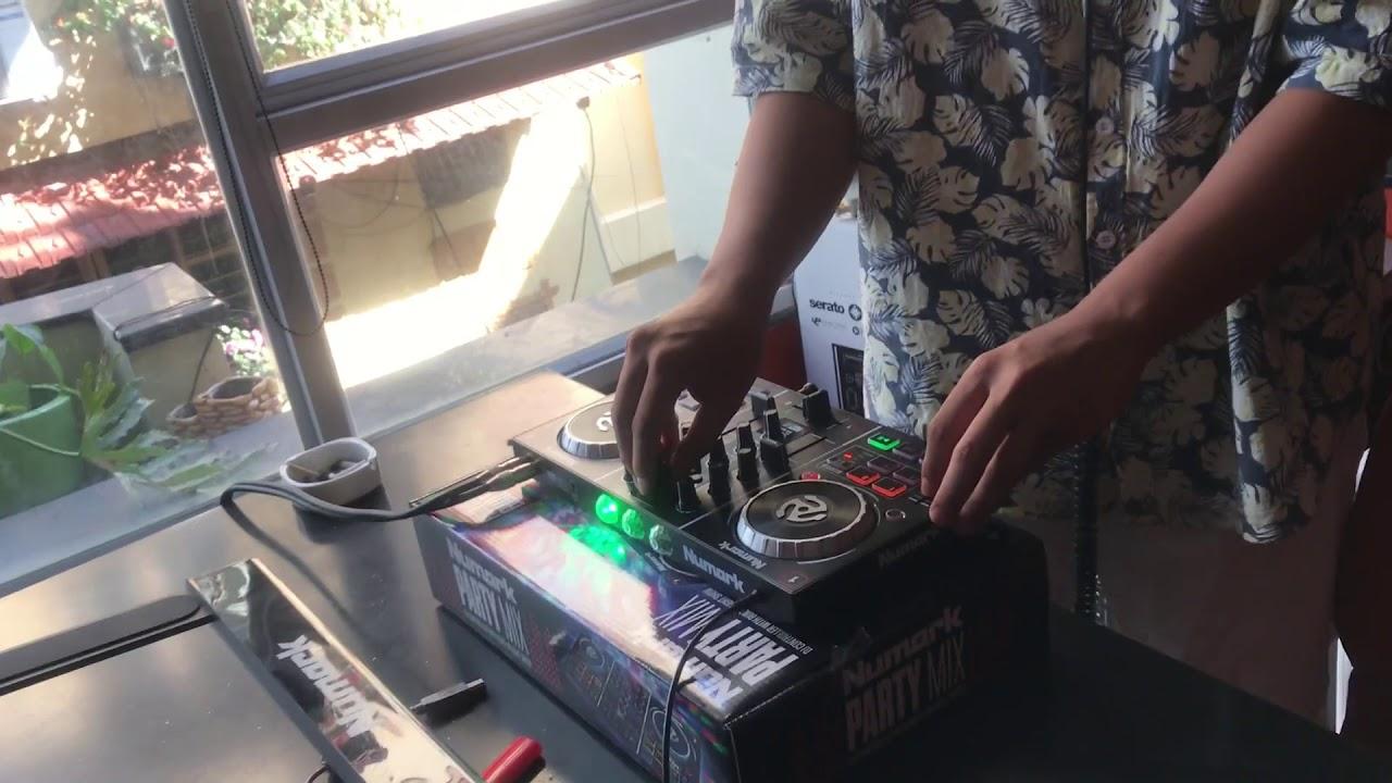 Mở hộp bàn DJ giá khoảng 3 triệu đồng chơi được nhạc DJ Vinahouse