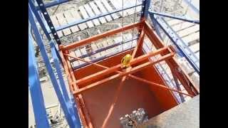 грузовой подъёмник в работе(Демонстрация работы грузового подъёмника. Компания «Вира-груз» (город Тула) специализируется на производс..., 2015-05-08T03:13:09.000Z)