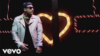Carlitos Rossy - La Distancia (Official Music Video)