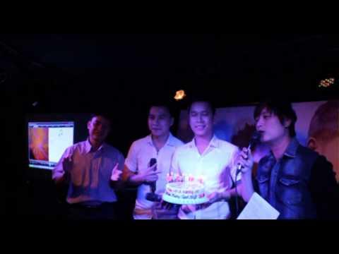 Đaị diện Keeng.vn, Tiin.vn & Viettel lên tặng quà sinh nhật THE MEN