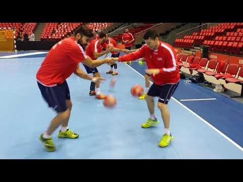 Sesión manejo y adaptación del balón a una mano