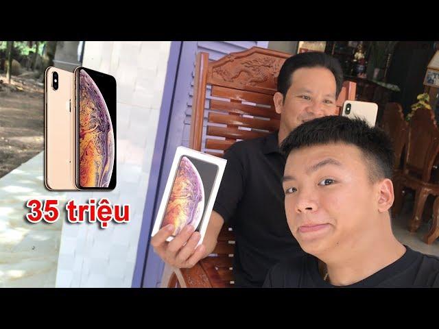 Đi Mua iPhone XS MAX Tặng Ba ( Give father iPhone XS MAX )
