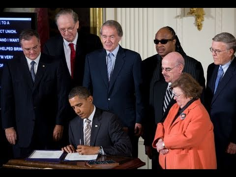 President Obama Signs 21st Century Communications & Video Accessibility Act
