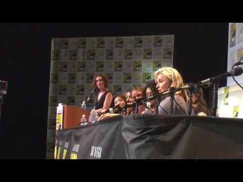 Lucy Lawless Tells Story Of Fan Who Passed Away At Comic Con #SDCC