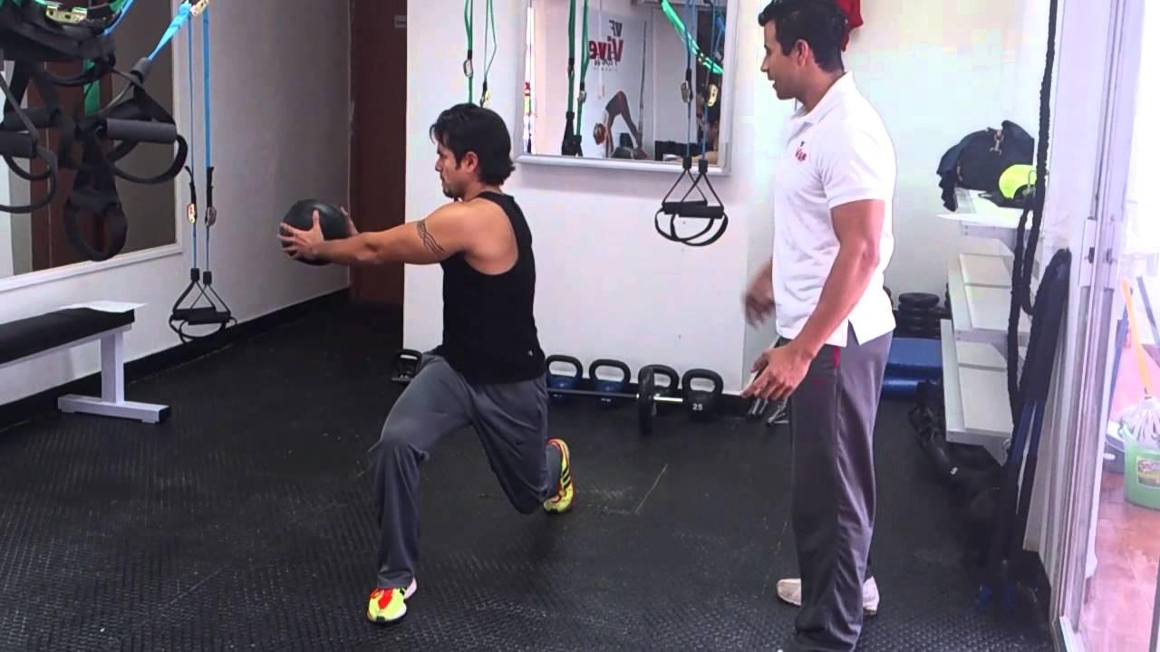 Vf gym entrenamiento funcional desplante con rotacion for Entrenamiento funcional