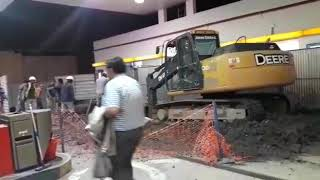 Video: Derrumbe en una YPF y agreden a Nuevo Diario