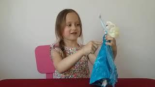 FROZEN Disney Открываем новую куклу Elsa / Эльза возле моря поет песню / Видео для детей Melissa Tv
