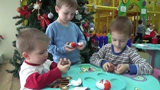 Opening Kinder Surprise Egg Mystery Chocolate Eggs! Киндеры з Сюрпризом відкриваємо іграшки