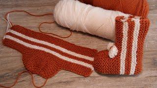 Носочки – сапожки для новорожденных спицами 🦊 Baby sock booties knitting pattern