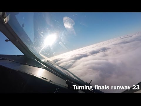 Dash 8 Q400 Landing into London Southend Airport