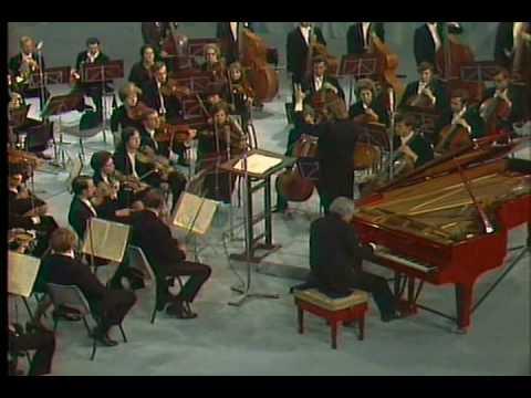 Yakov Flier plays Liszt Piano Concerto no. 2 in A Major (Part 1/3).