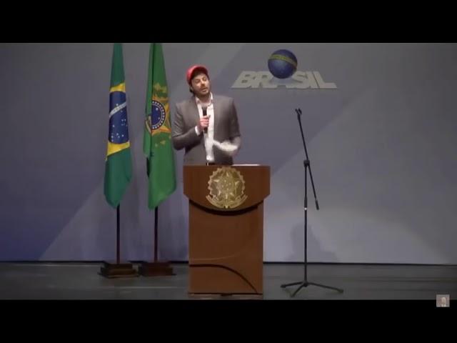 Danilo Gentili corta processos do PT e PSOL em um show