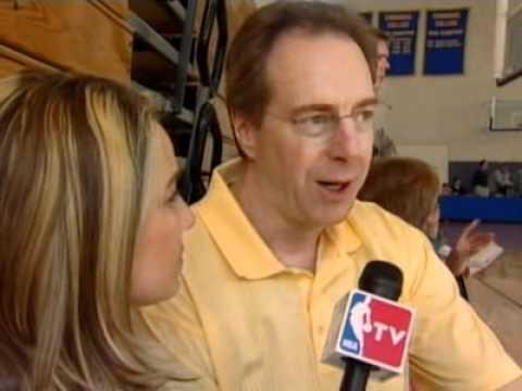 Chicago Sky Coach Dave Cowens.asf