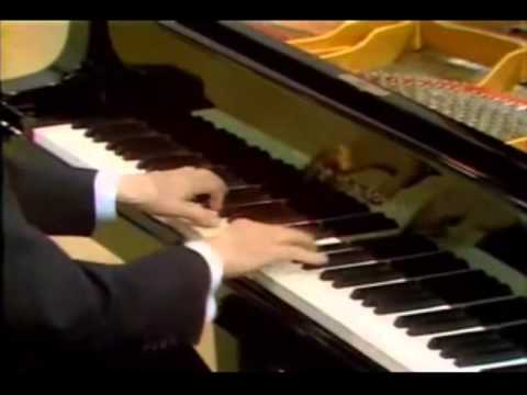 wilhelm kempff plays beethoven's Moonlight sonata complete song.wmv