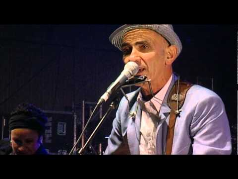 Paul Kelly - Love Never Runs Ontime - Falls Festival 10/11