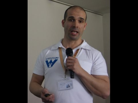 How to start a Wireless Network - Battlemesh v9 (Porto, Portugal)
