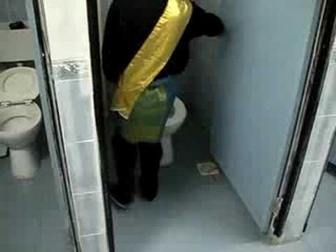 Toilet Aneh Travel Video