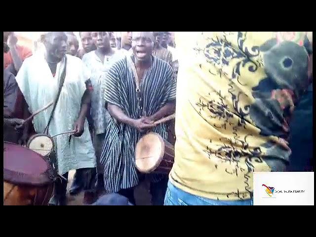 hausa traditional Kidan maza a gun aikin Gaiya lawan s.kila danna subscribe don samun wassu vedios