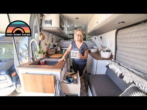She Lives Full Time In HER 4x4 CUSTOM DIY Camper Van - Escaping California Rent