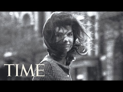 How Jackie Kennedy Onassis Became 'Windblown Jackie' | Behind The Photo | TIME