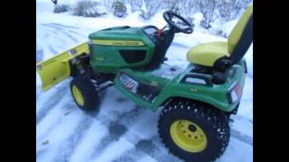 Plowing snow with a John Deere X738 -- Wow!