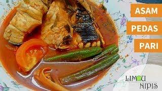 Resepi: - 5 ketul ikan pari - 1 biji bawang merah (saiz besar) - 1 ulas bawang putih - 2 cm kunyit hidup - 2 cm halia - 3 cm belacan - 1/2 sb lada hitam - 1 sk ...
