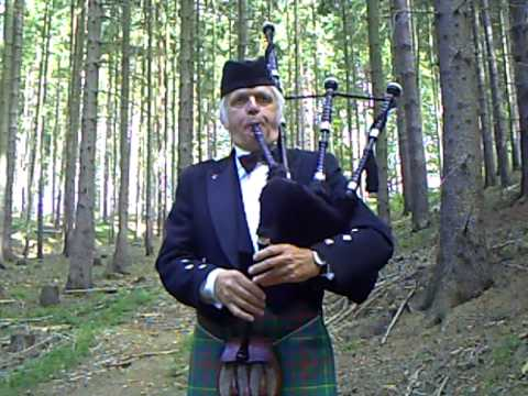 The Crags of Tumbledown - Lone Piper Tune 2007