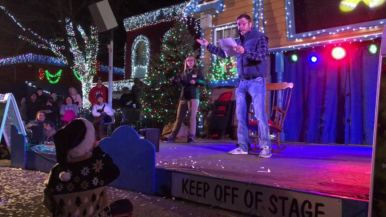 Kennywood Christmas.Pittsburgh Dad The Night Before Christmas Pittsburgh Style At Kennywood Holiday Lights 2017