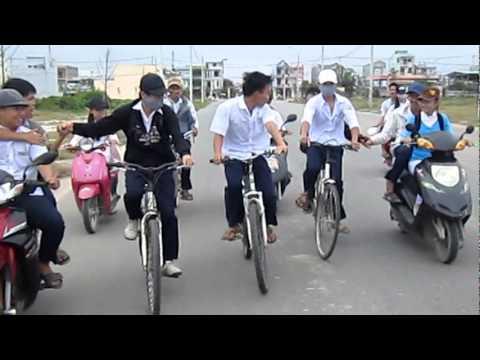 video về an toàn giao thông -- lớp 11/1