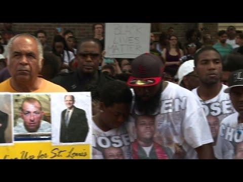 Ferguson: une minute de silence en mémoire de Michael Brown