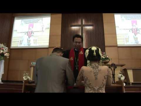 Video Pernikahan Adat Batak Marsibuhuhai dan Pemberkatan Nikah Ius dan Yeyen di ...