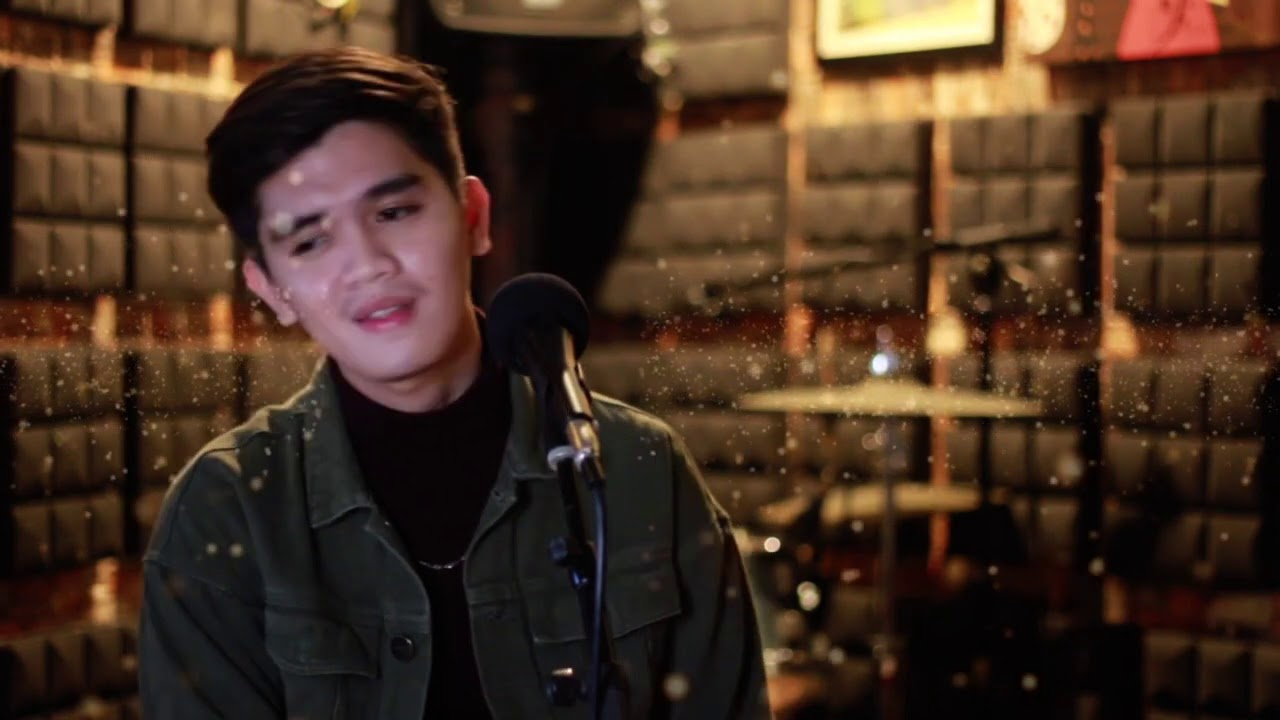 Ralph Otic- The Christmas Song (Cover)
