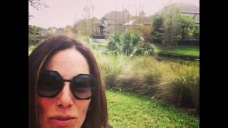 Звезда бразильских сериалов Глория Пирес сделала видеоселфи в деревне