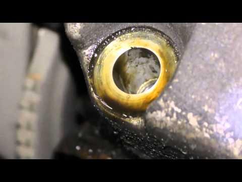 Откуда течёт моторное масло  с двигателя ВАЗ 2113 после ремонта