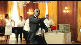 Дрис танец под песню Earth Wind & Fire