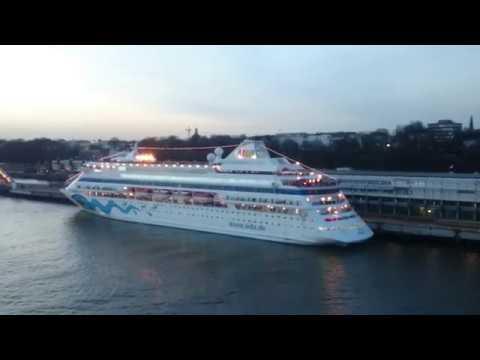 AIDAprima meets AIDAcara - live im Hamburger Hafen am 11. März 2017 - Das Hupkonzert
